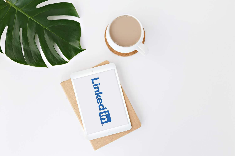 Comment modifier l'ordre des formations sur LinkedIn